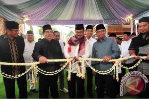 Gubernur Resmikan UPT Pengelolaan Anjungan Sulsel TMII