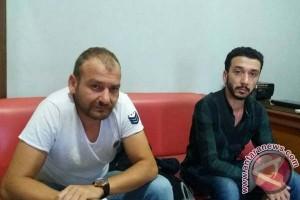 Polrestabes Makassar Tangkap Dua WN Turki