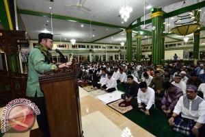 Gubernur Beri Bantuan Pada Peringatan Nuzulul Qur`an