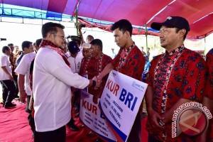 Gubernur Serahkan Bantuan Perikanan Senilai Rp1,21 Miliar
