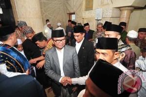 Wagub Sulsel Shalat Ied di Masjid Raya