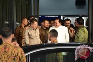 Gubernur Sulsel Jemput JK Di Bandara