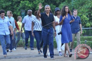 Obama Makan Siang Di Restoran Bumi Langit