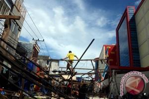 Ratusan Pedagang Pasar Sentral Makassar Dipindahkan
