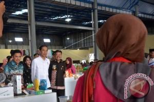 Jokowi Rersmikan Pasar Maros Baru