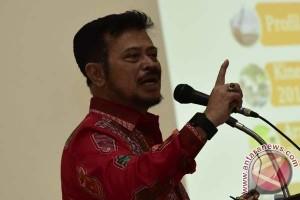 Gubernur Kontrol Produksi Garam di Empat Kabupaten