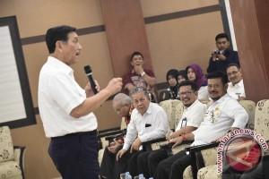 Gubernur Sulsel Dorong Regulasi Pengelolaan Sampah Laut