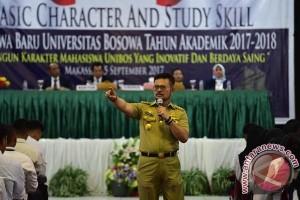 Syahrul Imbau Mahasiswa Unibos Hidup Mandiri