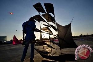 Pemkot Makassar Buka Festival Layang-layang
