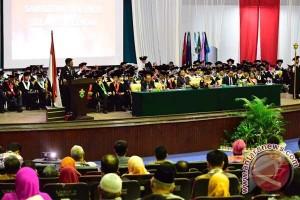 Gubernur Sulsel Dorong Unhas Berani Bersaing Global