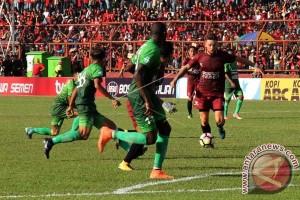 PSM Makassar Kalahkan PS TNI 4-1