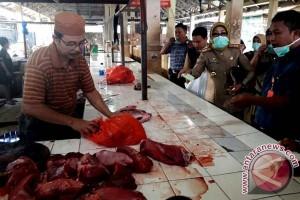 Tim Terpadu Sidak Daging Di Pasar Pabaeng-baeng