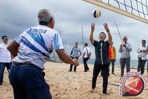 PBVSI Sulsel Gelar Penataran Wasit Voli Pantai