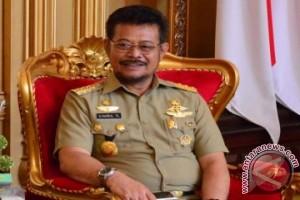 Gubernur Sulsel Dorong Pemuda Jadi Petani Mekanisasi