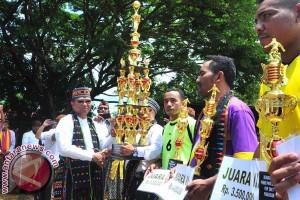 Wagub Sulsel Didaulat Sebagai Warga Manggarai NTT