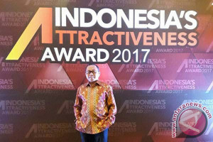 Bupati Matra Terima Penghargaan Indonesia Attractiveness Award 2017