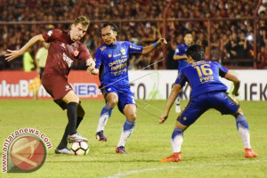 PSM Makassar Kalahkan Persib 2-1