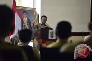 Gubernur Sulsel Motivasi PNS Lulusan IPDN