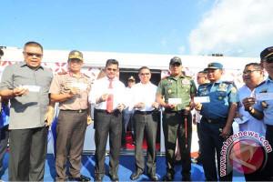 Gubernur Uji Coba Rel Kereta Trans Sulawesi