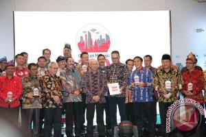 Makassar Terima Penghargaan Smart City Award