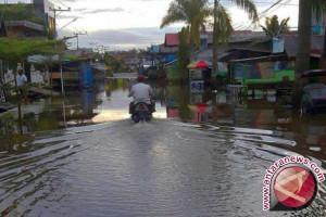 Banjir Rendam Trans Sulawesi di Majene
