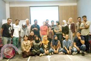 Penerima Hibah Seni Perdamaian Kumpul Di Makassar