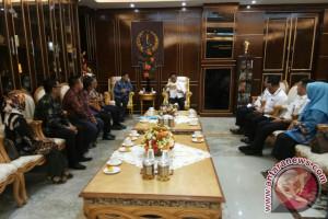 Gubernur Sulsel: KPID Harus Berperan Tangkal