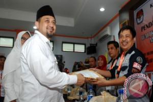 Penantang Petahana Makassar jalani tes kesehatan