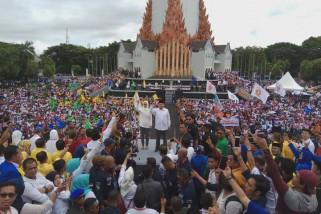 Bapaslon Appi-Cicu Deklarasi Di Monumen Mandala