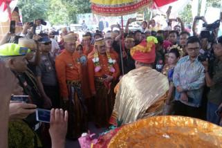 Gubernur disambut tari maggiri pada HUT Pangkep