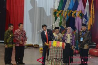 Rektor laporkan tim medis Unhas ke Jokowi