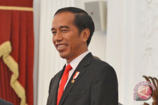 Jokowi urges universities to open innovative faculties