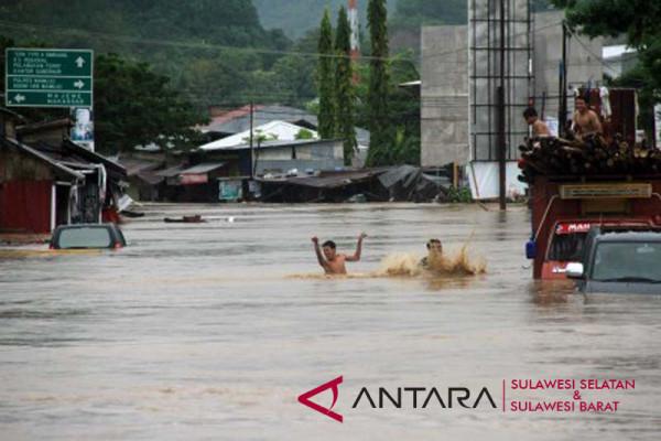 Banjir di Mamuju