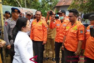 Menko PMK Kunjungi Korban Banjir Bandang Mamuju