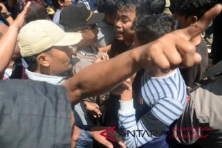 Sidang sengketa Pilkada Makassar diwarnai unjukrasa