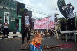 HMI Makassar tolak kenaikan BBM non subsidi