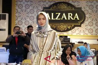 Allea Itang Yunasz hadir di Alzara Makassar