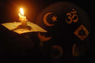 Doa bersama untuk korban bom