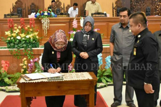 DPRD-Pemprov Sulbar tandatangani MoU Ranperda pendirian Perusda