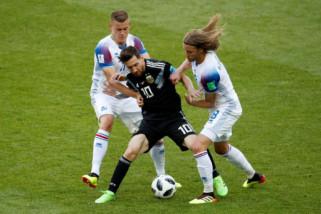 Messi gagal finalti, Argentina ditahan Islandia 1-1