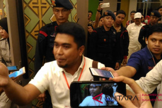 Saksi Paslon Appi-Cicu tinggalkan Rapat Pleno KPU