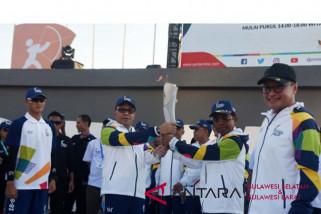 Obor AG Diarak keliling Kota Makassar