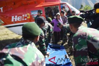 jenazah Ainul Takzim, korban gempa Lombok dievakuasi dengan helikopter
