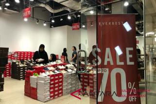 Tenant MaRI Makassar bertabur potongan harga