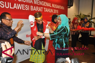 Wagub Sulbar lepas 23 siswa program SMN