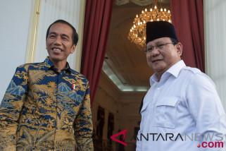 Gaya busana Jokowi-Ma'Ruf dan Prabowo-Sandi saat daftar Pilpres 2019