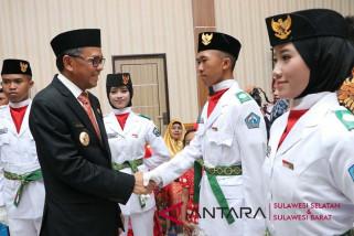 Nurdin Abdullah kukuhkan 72 Paskibra Kabupaten Bantaeng