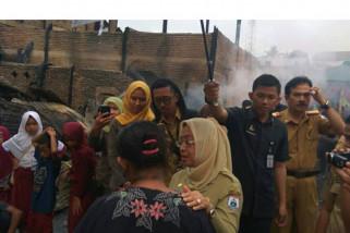 Wagub bantu sembako korban kebakaran di Mamuju