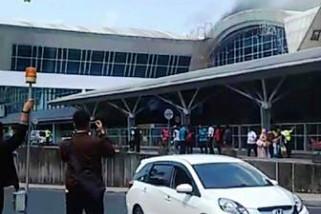 Kepulan asap di Bandara Hasanuddin buat heboh