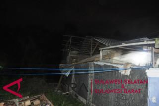 Dua rumah di Mamuju rusak akibat gempa